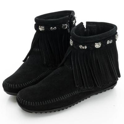 MINNETONKA KITTY聯名 黑色平底流蘇短靴 (展示品)