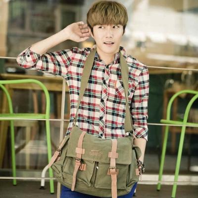 韓式作風-英倫風復古真皮拼接側背包-軍綠