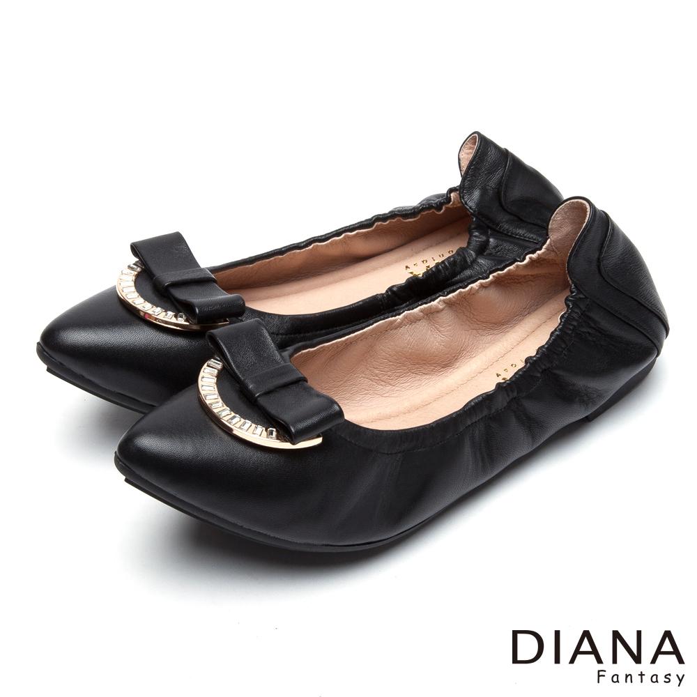 DIANA 超軟Q--蝴蝶結鑽飾真皮尖頭平底鞋-黑