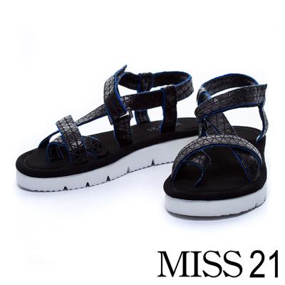 MISS 21 極簡優雅三角布材質護趾休閒平底涼鞋-黑