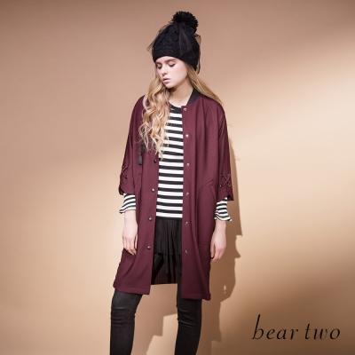 beartwo-運動風流蘇吊飾長版棒球外套-三色