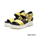 達芙妮DAPHNE 涼鞋-圓環扣帶一字楔型厚底涼鞋-黃