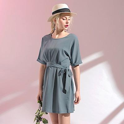 雪紡垂墜感腰打褶綁帶圓領反褶短袖洋裝.2色-OB大尺碼