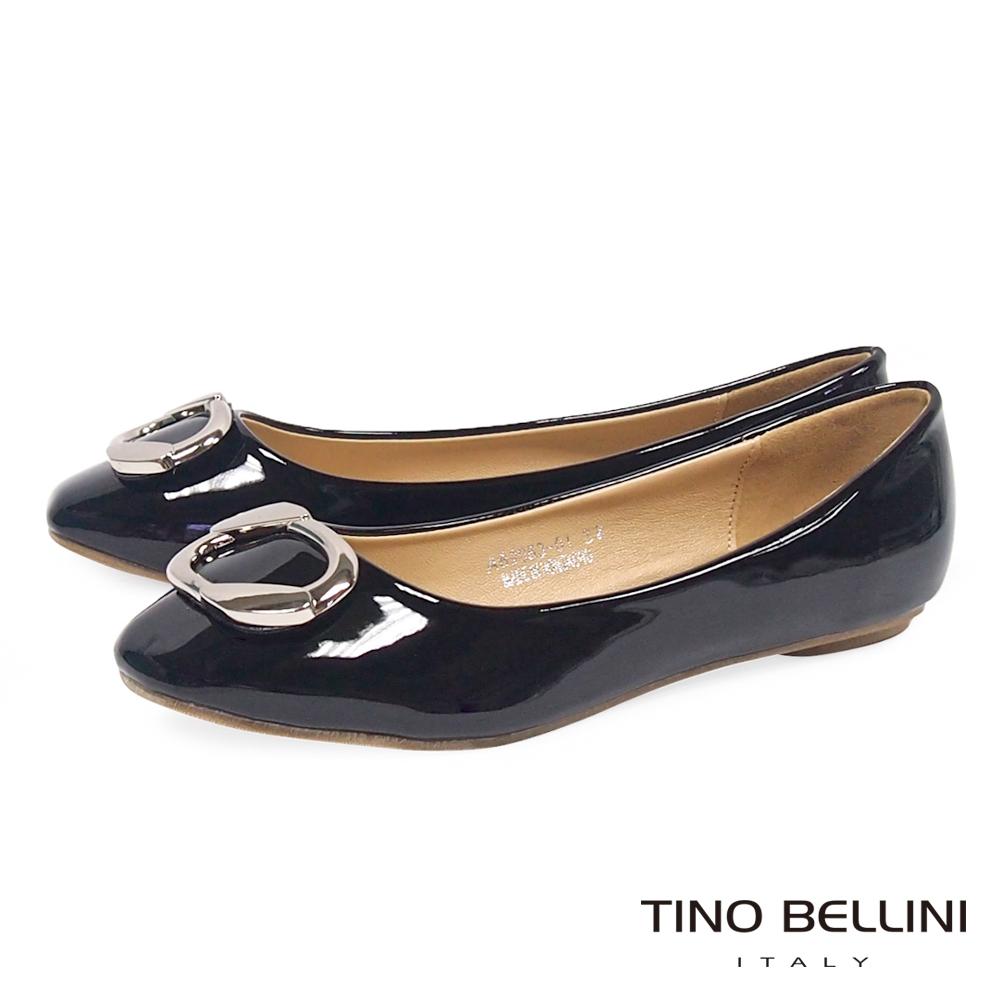 Tino Bellini 典雅方釦小方頭平底娃娃鞋_黑