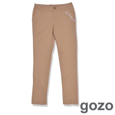 gozo-個性圖騰紋路造型長褲-淺咖