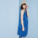 YVONNE COLLECTION 花草印花V領無袖洋裝- 藍