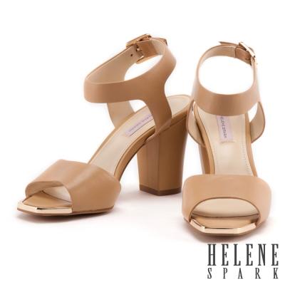 涼鞋 HELENE SPARK 復古寬字帶羊皮粗跟涼鞋-米