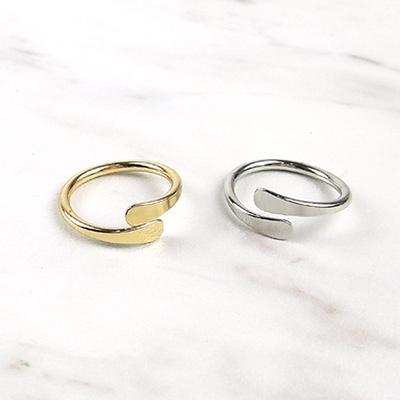皇家遊樂園-歐美極簡光面擁抱款戒指-金-銀