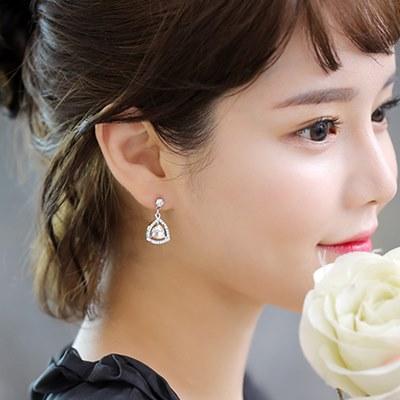 梨花HaNA-無耳洞美女的誕生韓藝瑟璀璨三角皓晶夾式耳環