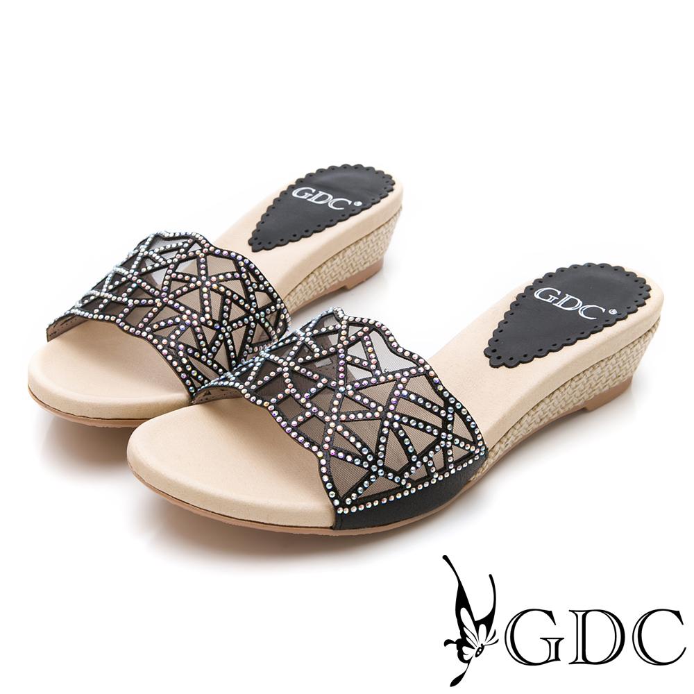 GDC-特殊簍空水鑽舒適拖鞋-黑色
