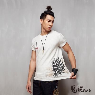 鬼洗 BLUE WAY 日式雕花植絨短袖T恤-灰