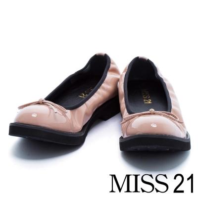 跟鞋 MISS 21 復古小蝴蝶結漆皮鬆緊帶低跟娃娃鞋-米