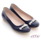 effie 俏甜女伶 鏡面羊皮立體穿帶平底鞋 藍