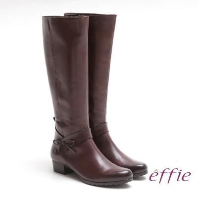 effie 都會風情 素色蠟感真皮低跟長靴 咖啡