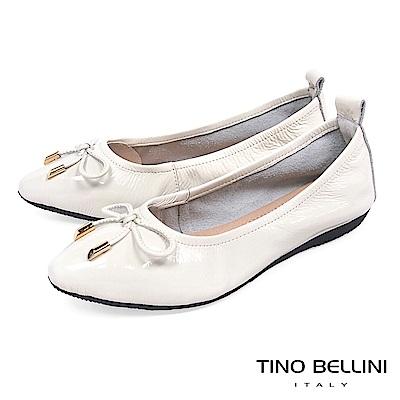 Tino Bellini 素雅小蝴蝶結全真皮平底娃娃鞋_ 白