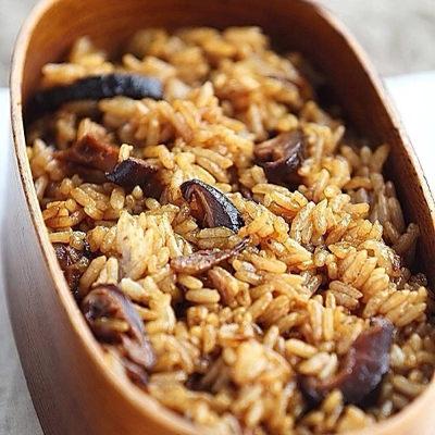皇覺 素食達人-滿荷黃金素香菇燴米糕700g(適合6人份)