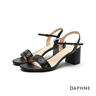 達芙妮DAPHNE 涼鞋-鉚釘花邊一字粗跟涼鞋-黑