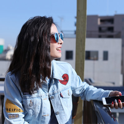 Levis-女款淺色刺繡牛仔夾克外套