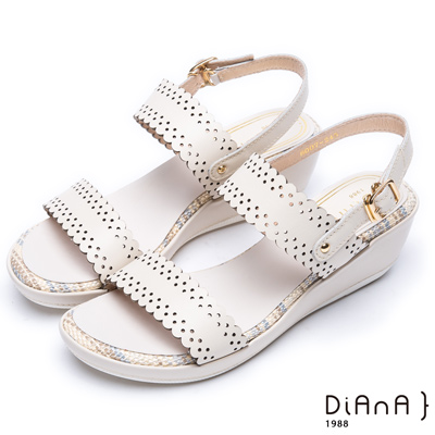 DIANA 夏日情懷--雷射沖孔紋真皮厚底楔型涼鞋 –米