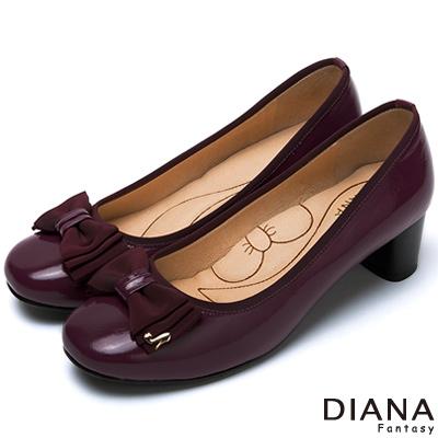 DIANA-超厚切蝴蝶結款-經典氣質漆皮蝴蝶結跟鞋