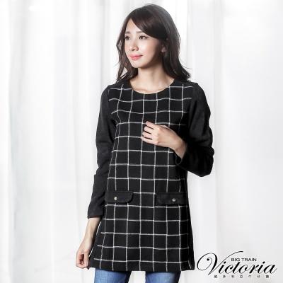 Victoria-假袋蓋異材質拼接長版長袖T-女-黑底白格紋