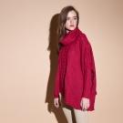 ICHE衣哲 設計款高領麻花編織斗篷造型上衣(兩色)-紅