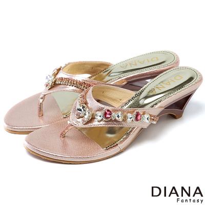 DIANA-創意設計-蝶式水鑽夾腳涼跟鞋-粉