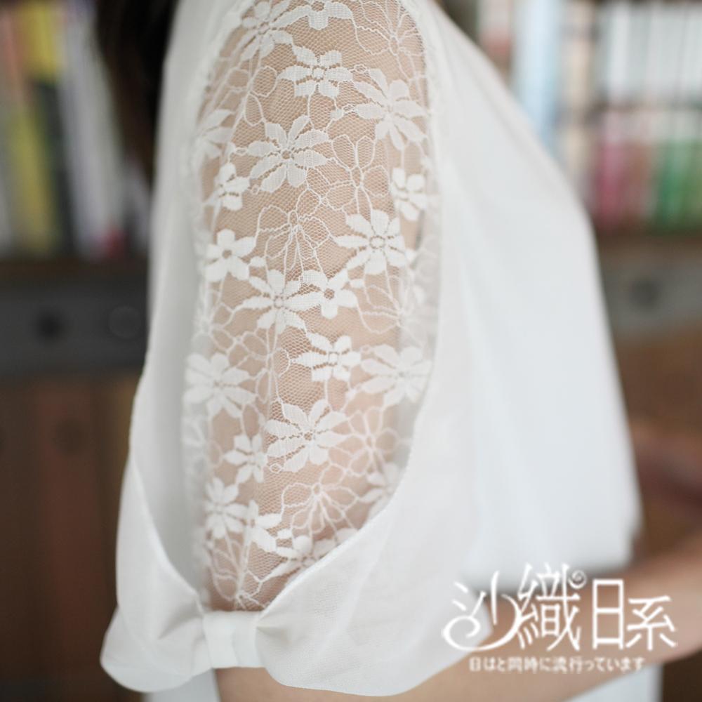 上衣 蕾絲花朵接袖長版雪紡上衣(白)-沙織日系