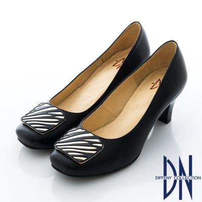 DN-都會名媛-MIT質感牛皮金屬飾扣粗跟包鞋-黑