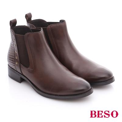 BESO 潮人街頭風 牛皮鉚釘直套式短靴  咖啡色