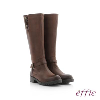 effie 個性美型 防潑水麂皮直筒靴 深咖啡色