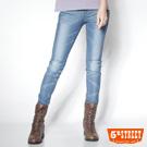5th STREET 纖細美型 針織清涼剪接窄直筒牛仔褲-女款(漂淺藍)