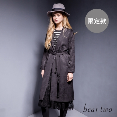 beartwo燒花圖騰翻領長版西裝外套-二色