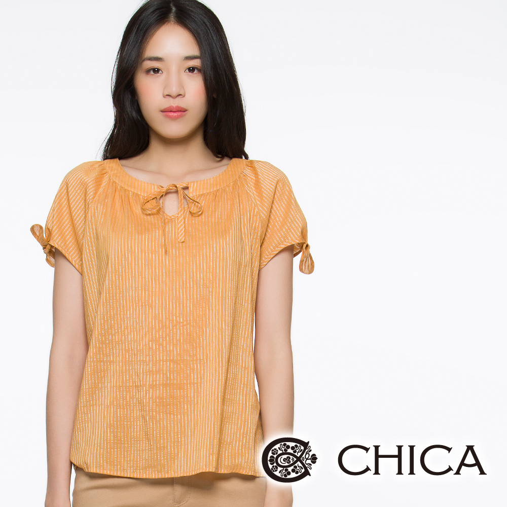 CHICA 蝴蝶結綁帶直條紋上衣(共三色)