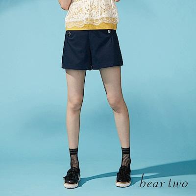 beartwo 金屬排釦造型打摺短褲(二色)