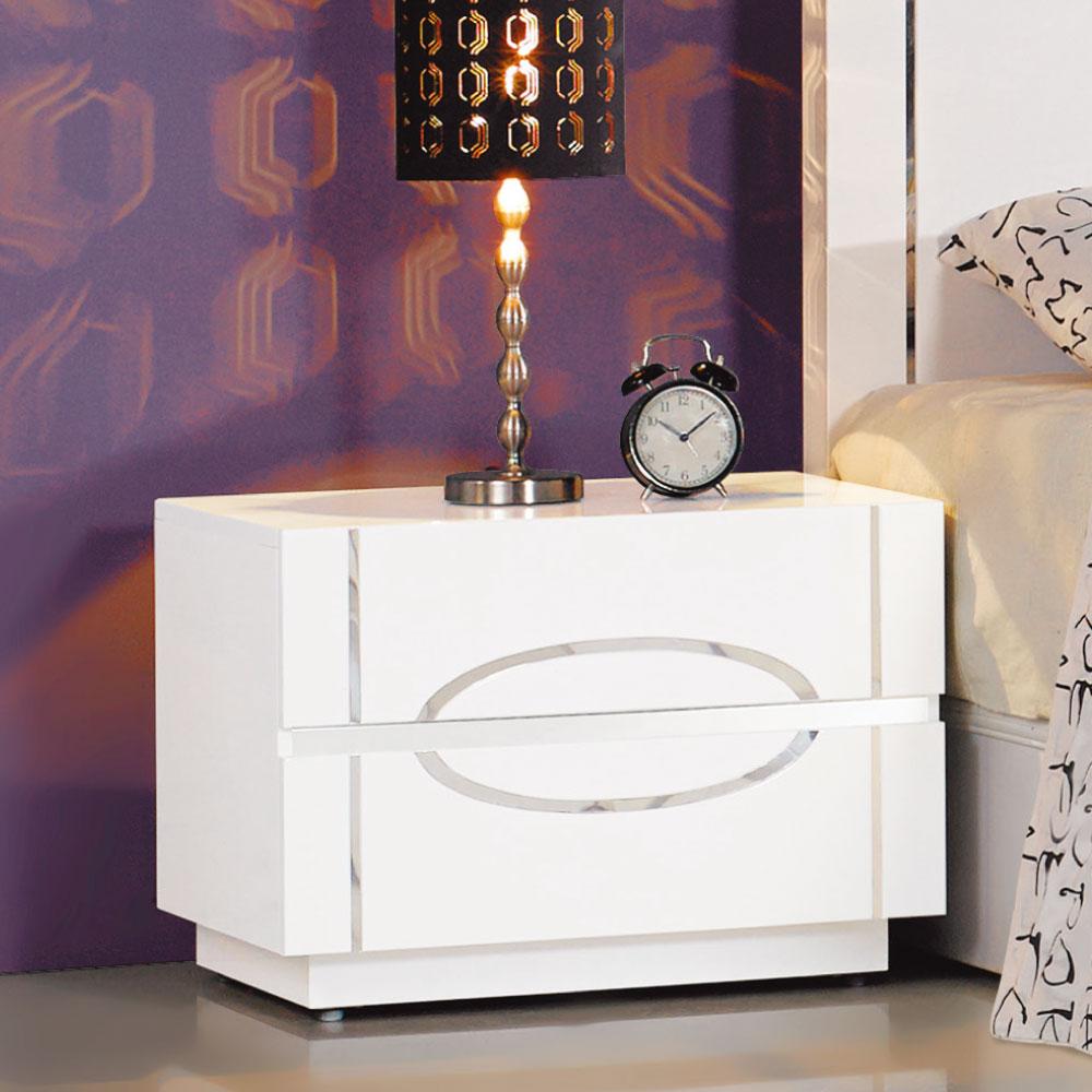 居家生活 芙洛麗白色亮烤床頭櫃