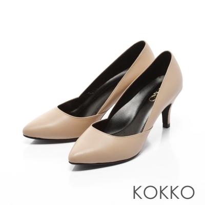 KOKKO-經典復刻尖頭真皮側挖低高跟鞋-裸