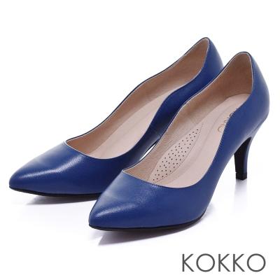 KOKKO舒壓透氣-素面尖頭波浪線條高跟鞋-寶藍