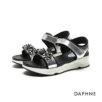 達芙妮DAPHNE 涼鞋-立體花飾金屬色一字厚底涼鞋-銀