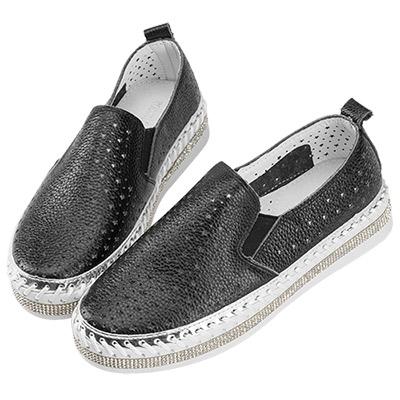 Robinlo & Co. 鑲鑽手工縫線縷空小星星平底鞋 黑色
