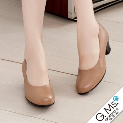 【G.Ms.】MIT系列‧通勤必備全真皮素面小粗跟鞋‧太妃駝