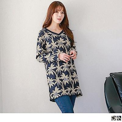 滿版椰子樹印花V領寬鬆長版棉感上衣洋裝2色