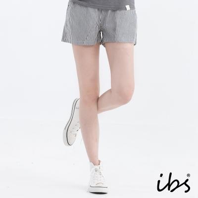 ibs花漾繽紛短褲-藍灰白條