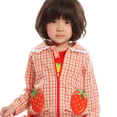愛的世界 SUPERMINI 純棉格紋草莓口袋長袖外套/2~4歲