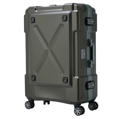 日本 LEGEND WALKER  6302 - 69 - 28 吋 鋁框密碼鎖輕量行李箱 消光棕