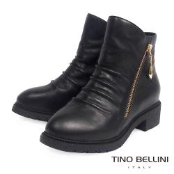 Tino Bellini 全真皮抓皺側V切口拉鍊低跟短靴_黑