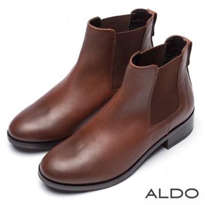 ALDO 原色真皮圓頭彈性U字粗跟短靴~個性焦糖