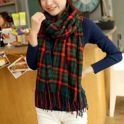 幸福揚邑 百搭情侶羊絨質感格紋保暖圍巾/披肩-綠橘細格