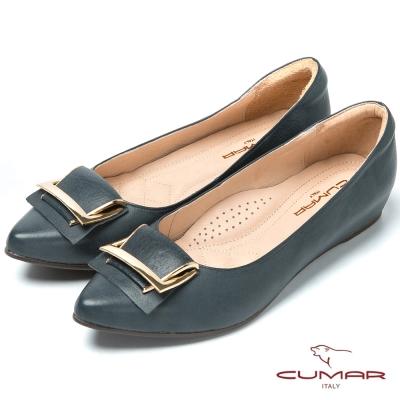 CUMAR台灣製造 顯瘦尖頭真皮低跟鞋-藍