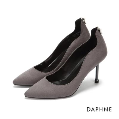 達芙妮DAPHNE 高跟鞋-V型水鑽弧形絨面高跟鞋-灰